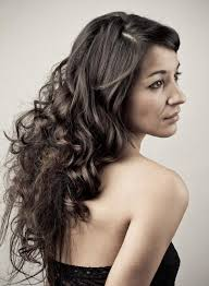 quick wavy curly hairstyles side parted cute women hairstyles