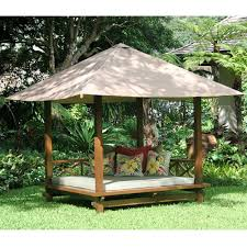 outdoor shaded daybeds