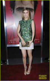 Picture Of Rooney Mara As Sized Photo Of Rooney Mara Premiere With Kate Mara