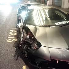 lamborghini crash terrifying moment motorists smashes his 260 000 lamborghini