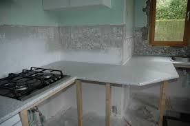 meuble cuisine a poser sur plan de travail fixer plan de travail cuisine photo maisoncuisine avec beau fixer