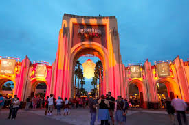 is halloween horror nights scary how to go to universal u0027s halloween horror nights without getting