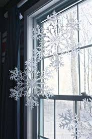 Ideas For Window Decorations At Christmas by Top 30 Most Fascinating Christmas Windows Decorating Ideas