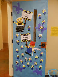 Christmas New Year Display Board Decoration by Best 25 Minion Door Decorations Ideas On Pinterest Minion Door
