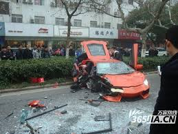 crashed lamborghini huracan arancio argos lamborghini aventador crashes into bus in china 5
