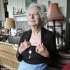 joy tomkins 81 has u0027do not resuscitate u0027 tattoo on her chest and
