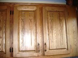 restauration armoires de cuisine en bois armoire de cuisine en chêne décapage changer la couleur