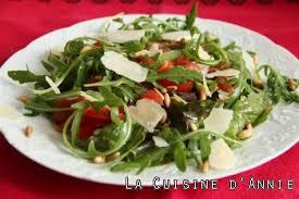 cuisiner la salade verte recette salade de roquette aux pignons la cuisine familiale un