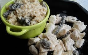 cuisiner les morilles fraiches recette risotto aux morilles fraîches et émincé de dinde sauce