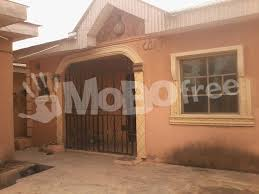 a bungalow house at ikorodu houses mobofree com