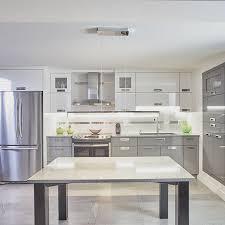 lustre de cuisine armoires de cuisine en stratifie lustre avec comptoir de quartz