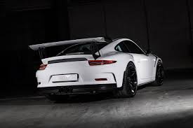porsche white gt3 carbonated porsche 911 gt3 rs proves that less really can be more