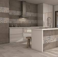 carrelage cuisine brication de carrelage sols et murs multicerame le