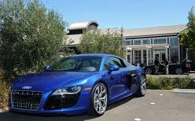 Audi R8 V12 - 2010 audi r8 5 2 fsi quattro urban drive and review motor trend