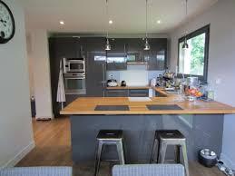 cuisine grise et photo cuisine grise et bois 10 gris en l carrelage mural m c3 a9tro