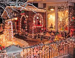 Christmas Decoration For Facebook by Amazing Christmas House Decorations Pictures Photos And Images