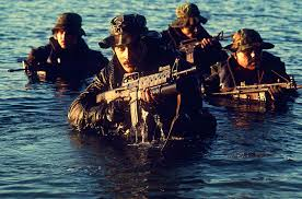 the 7 lessons i learned from us navy seals about becoming a strong