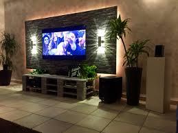 tv wand mit paletten board design by schunné pinterest tv