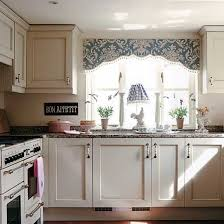 French Kitchen Curtains by Country Cottage Kitchen Kitchen Signs French Kitchens And Valance