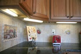 under cabinet kitchen lighting cabinet backsplash