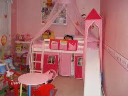 chambre de fille 2 ans la chambre de ma fille est heureuse ma vie mes potes ma