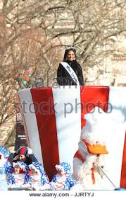 miss america at the macy s thanksgiving day parade in