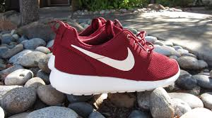 rosch runs where can i still buy the maroon burgundy roshe runs
