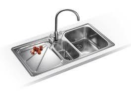 lavello cucina acciaio inox lavello della cucina ecco come farlo tornare nuovo senza prodotti