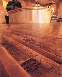 choosing the right wood flooring for your property builidum