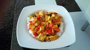 cuisiner le tofu nature recette d emincé de tofu au curry et lait de coco thaï