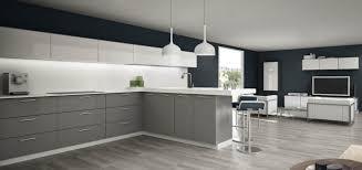 cuisine blanche et grise cuisine grise design model des cuisine cbel cuisines
