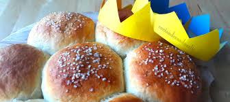epiphany cake trinkets epiphany three cake bread dreikönigskuchen