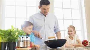cuisiner avec ses enfants 10 trucs pour changer la perception des enfants sur la nourriture
