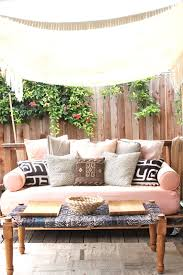 Mattress For Daybed How To Build A Pallet Daybed Pretty Prudent
