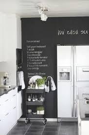 cuisine mur noir déco le mur d ardoise une tendance qui a du style