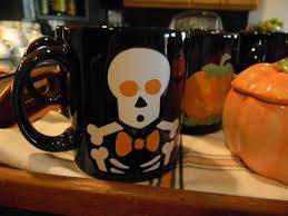 halloween coffee mugs a toile tale boo