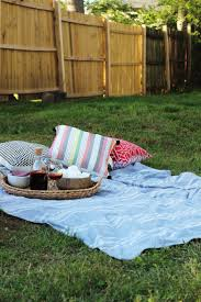 the only 4 things you need for the perfect backyard chill session