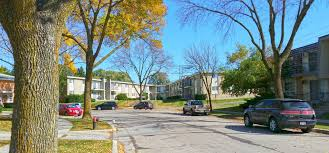 deer trail apartments apartments in milwaukee wi deer trail apartments background 3