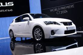 lexus usa ct200h geneva show lexus ct 200h to be sold in the usa premieres in new