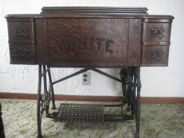 White Sewing Machine Cabinet by 8 Best Sewing Machine Images On Pinterest Rotary Sewing