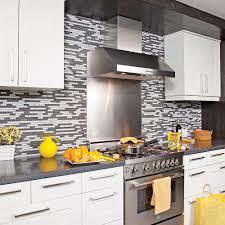 cuisine avant apr鑚 cuisine convertie cuisine avant après décoration et
