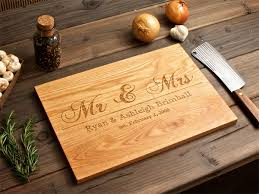 engraved wedding gift amour wedding gift idea engraved wooden chopping board