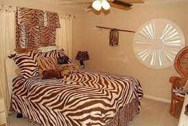 cheetah print bedroom ideas a popular natural decorating pattern