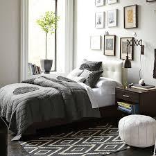 schlafzimmer grau schlafzimmmer inspiration in grau mit wandgestaltung schlafzimmer