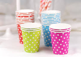 disposable cups using disposable cups paper vs plastic what to choose for a