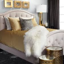 Gray And Gold Living Room by Best 25 Gold Bedroom Accents Ideas On Pinterest Gold Accent