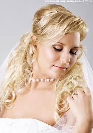 Hochsteckfrisuren Braut Locken by Halb Dutt Zu Offenen Langen Locken Braut Frisuren Frisuren