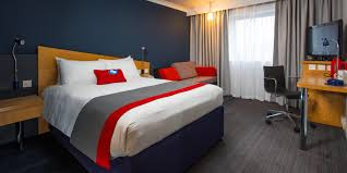 Glasgow Central Riverside Hotel Holiday Inn Express Glasgow City - Family rooms glasgow