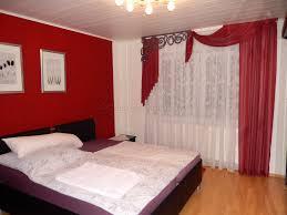 Schlafzimmer Beige Rot Haus Renovierung Mit Modernem Innenarchitektur Kleines