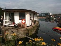 airbnb houseboats 10 boats you can rent on airbnb business insider